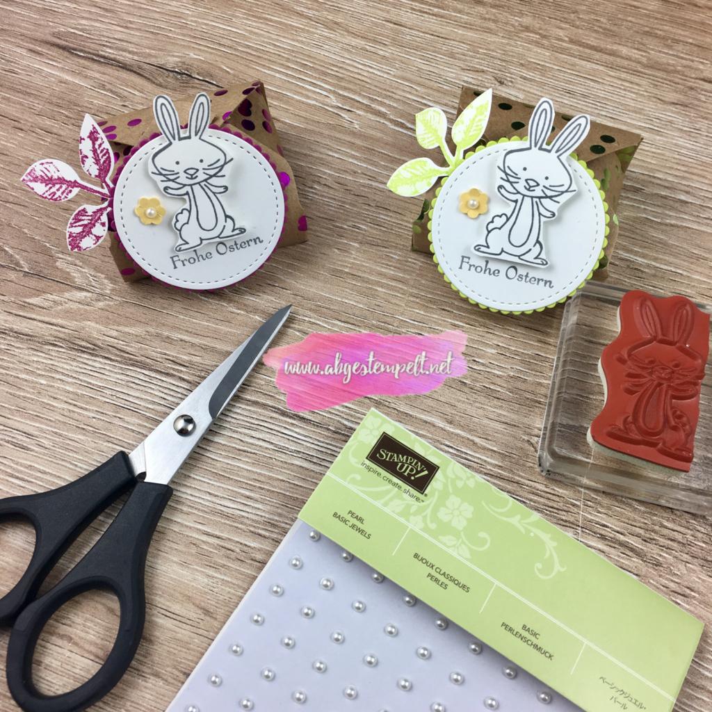 Ostern 2018 Verpackung mit Hase und Blätterzweig metallic-look in Limette und Sommerbeere abgestempelt Stampin' Up!