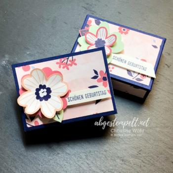 Stampin' Up! kleine Verpackung zum Geburtstag mit Papierblüten voll